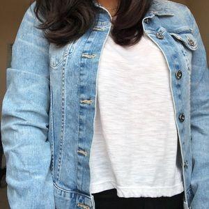 ❄️ H&M Light Wash Denim Jacket ❄️